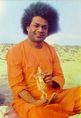Sathya Sai Baba have materialized gold statue of Lord Krishna, on 15 May 1968